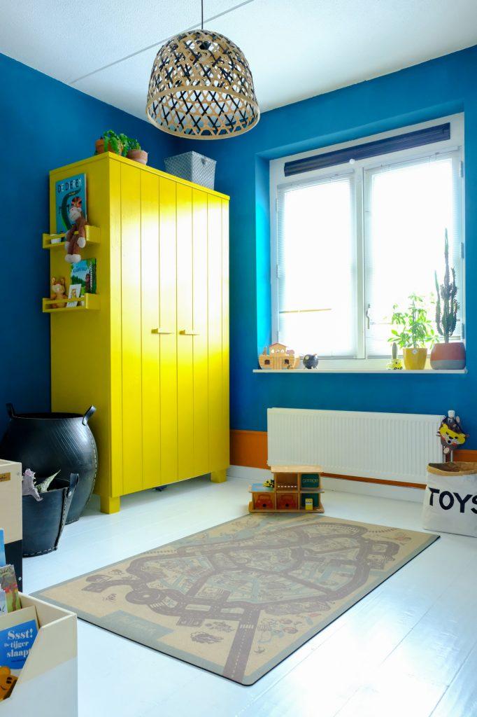 kinderkamer blauw met geel