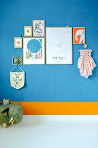 kinderkamer blauwe muur idee