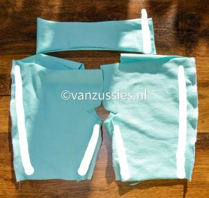 kort broekje voor een baby naaien